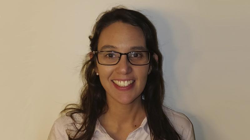 Pía Zanetti, una economista graduada de ORT que encontró una alternativa a la economía convencional