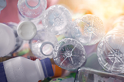 Reciclaje de botellas de plástico en la Universidad ORT Uruguay