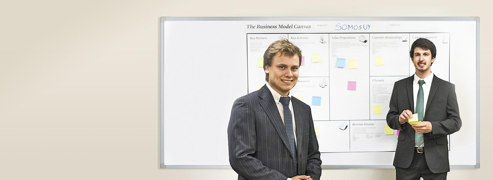 Emprendedores SomosUy, graduados de la Licenciatura en Gerencia de ORT