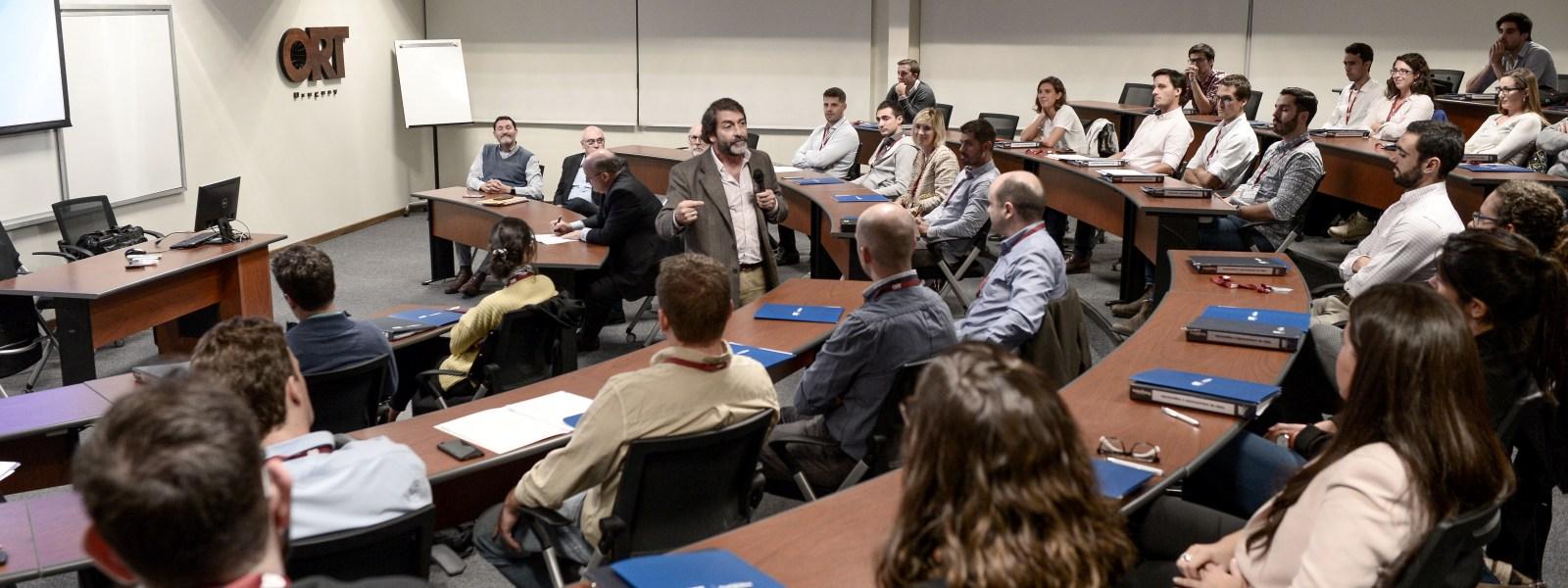 MBA alcanza su mejor posición histórica en el ranking de América Economía