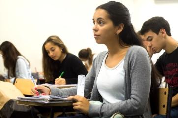 Las reuniones informativas, de acceso libre, te permiten alcanzar un mayor conocimiento de cada carrera, de su cuerpo docente, plan de estudios e inserción laboral, entre otros aspectos.