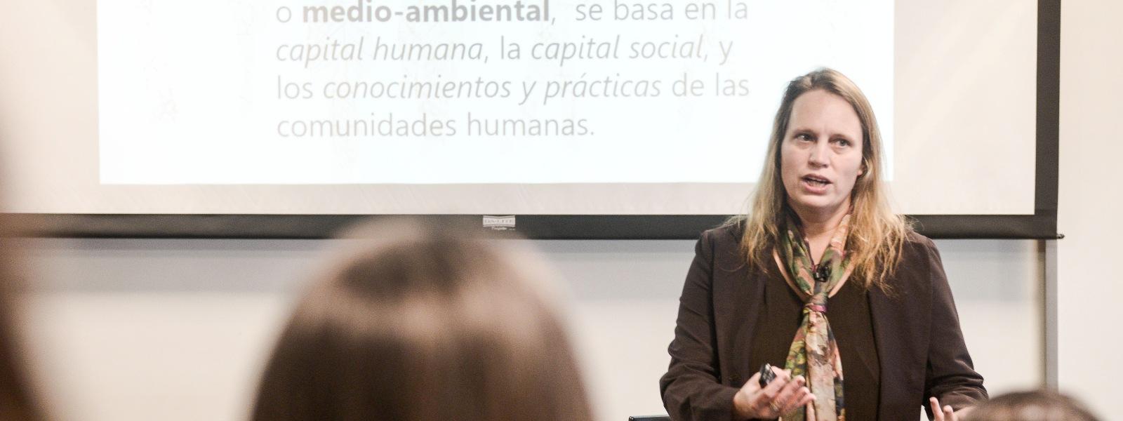 """Conferencia """"La definición y medición del impacto social"""""""