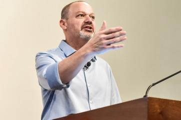 Dr. Ricardo Kaufmann