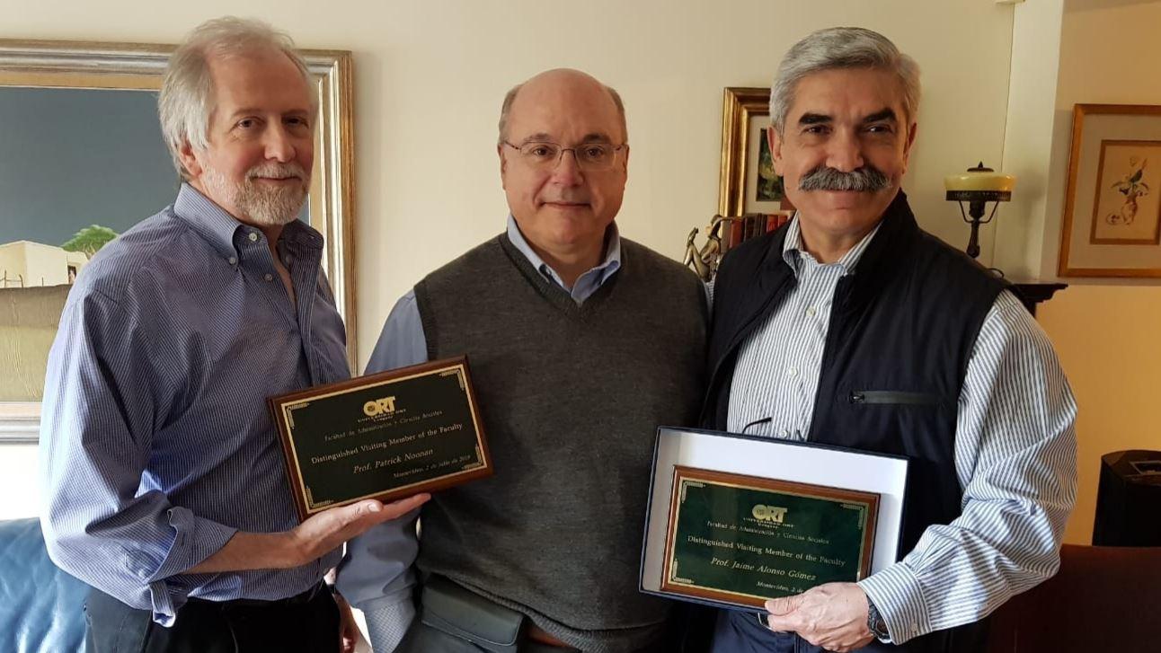 Los profesores Jaime Alonso Gómez y Patrick Noonan recibieron el 4 de julio de 2019 el reconocimiento como Distinguished Visiting Member of the Faculty