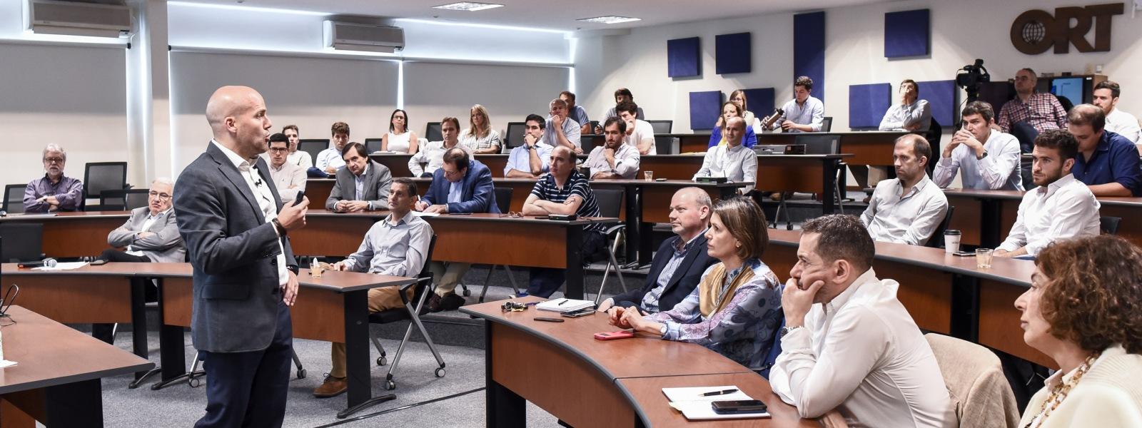 Conferencia del Ciclo de Charlas de Management y Negocios