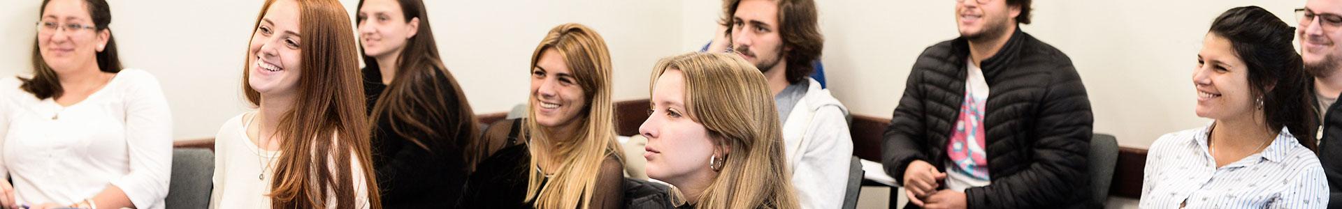 Futuros estudiantes de la Facultad de Administración y Ciencias Sociales