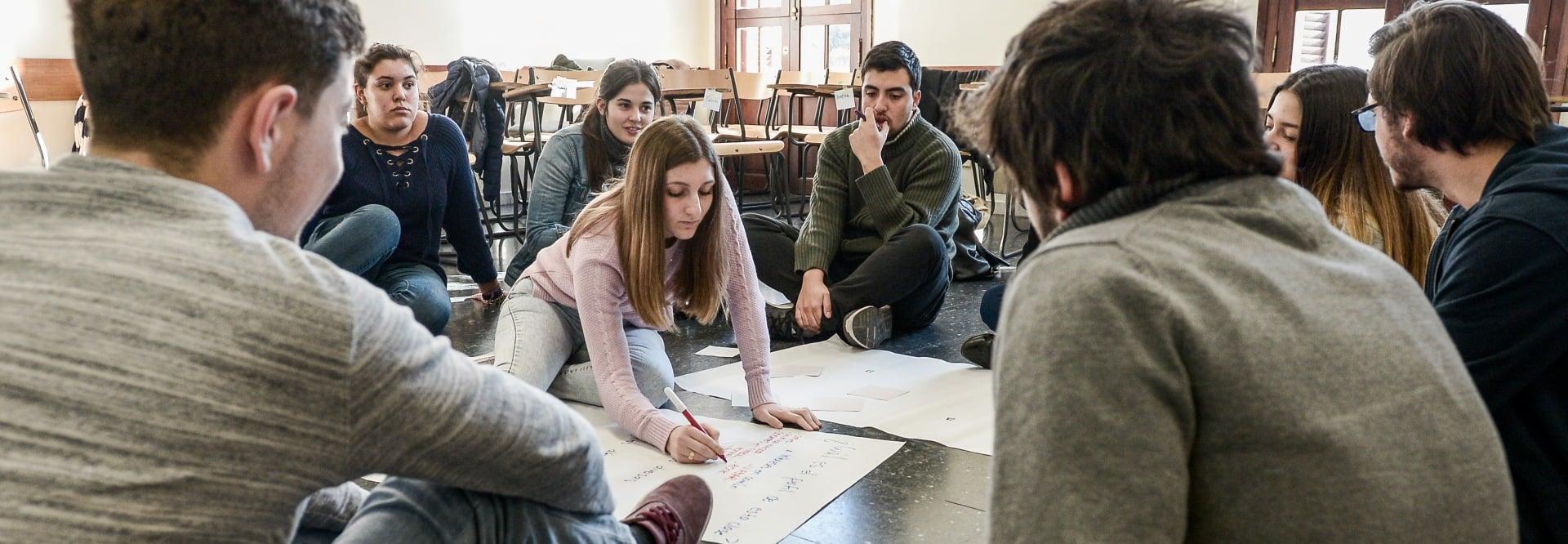 Capacidad de hacer de los estudiantes y graduados de la Facultad de Administración y Ciencias Sociales