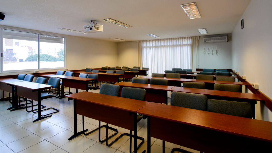 Salón de clase de la Facultad de Administración y Ciencias Sociales