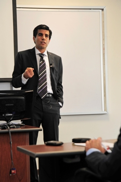 Conferencia del Dr. Gianni Gutiérrez